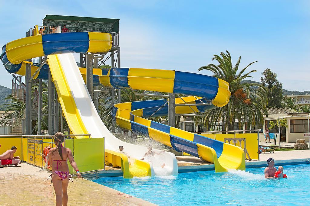 Hotel Messonghi Beach Holiday Resort 2