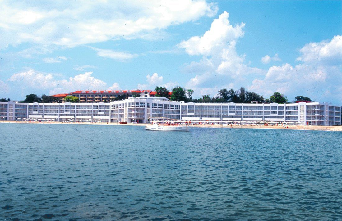 Hotel Dolphin Marina Grand Varna Resort 2