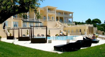 Hotel Mabely Grand 3