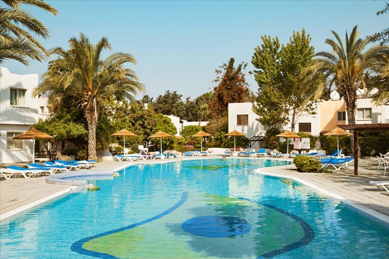 Apartotel Paphos Gardens Holiday Resort 3