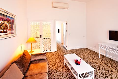 Hotel The Olive Tree 4