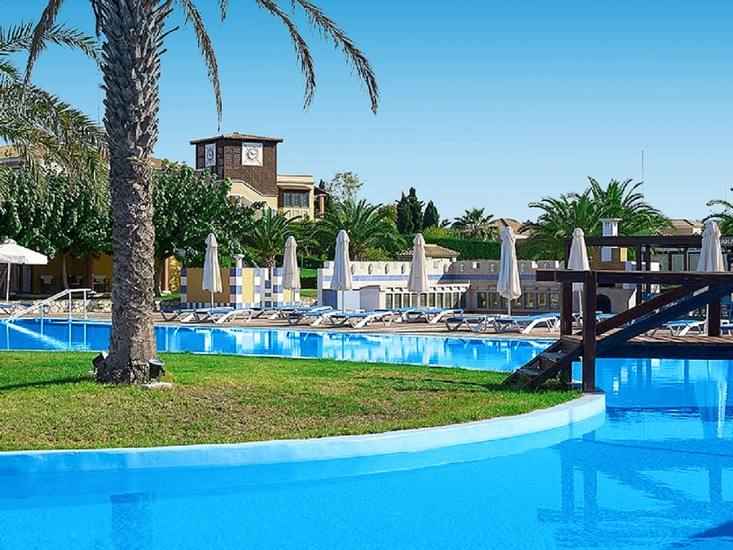 Hotel Aldemar Olympian Village Beach 2