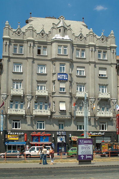 Hotel Baross City